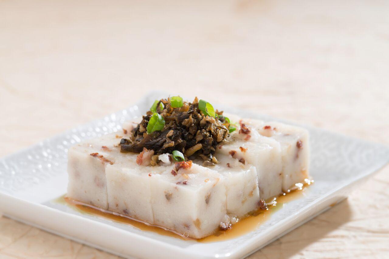 Hong Kong Style Steamed Radish Cake
